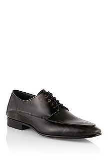 Lace-up shoe in a subtle vintage finish 'Nyot'
