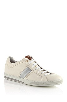 Sneaker with decorative stripes 'Capitio'