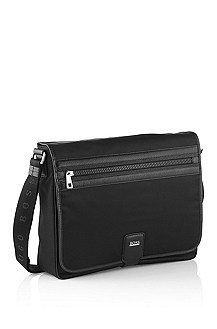 Robust nylon twill messenger bag 'Mukilt'