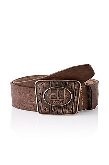 Cowhide belt with a plaque buckle 'Johnno'