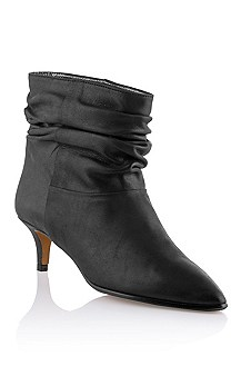 Calfskin leather ankle boot 'Fraise'