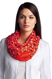 Scarf with a graphic, all-over pattern 'SC502'