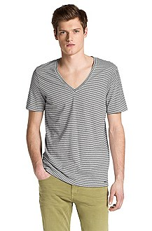 V-neck T-shirt from HUGO 'Demerson'